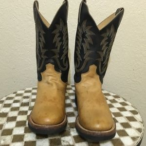JUSTIN BUTTERCUP BOOTS 7B